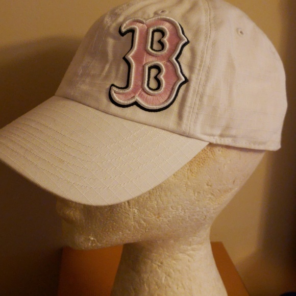 4206eafabc2 47 Accessories - Ladies Boston Red Sox Hat